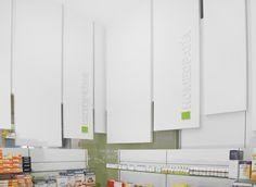 003 Farmacia Zazu | www.mobil-m.es/ Diseño de farmacias Mobi… | Flickr