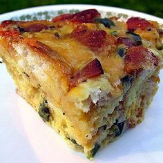 Christmas Brunch Casserole - Prepare Christmas Eve and pop in the Oven on Christmas Morning! Looks good!