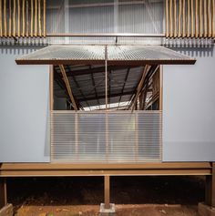 Galeria de Escola Baan Nong Bua / Junsekino Architect And Design - 22 Tropical Architecture, Sustainable Architecture, Architecture Details, Interior Architecture, School Building, Ceiling Windows, Tropical Houses, School Design, My Dream Home