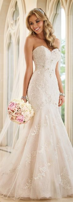 Stella York Fall 2015 Bridal Collection / www. dresses tight lace Stella York Fall 2015 Bridal Collection / www. Sweetheart Wedding Dress, Lace Mermaid Wedding Dress, Mermaid Dresses, Mermaid Sweetheart, Dress Lace, Lace Wedding, Wedding Dress Sparkle, Spring Wedding, Wedding Reception