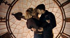 Rose Tyler meets Captain Jack Harkness for the first time.