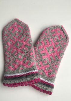 Latvian mittens