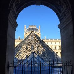 https://flic.kr/p/qNKPdt | From in side to outside the Louvre! #upsticksandgo #louvre #paris #museums #amazing #france #travelgram #travellingtheworld #travellinglife #michfrost