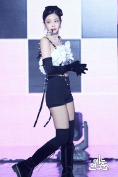 Your source of news on YG's current biggest girl group, BLACKPINK! Please do not edit or remove the logo of any fantakens posted here. Stage Outfits, Kpop Outfits, Kim Jennie, Blackpink Fashion, Fashion Outfits, My Little Beauty, Kim Jisoo, Blackpink Photos, Sexy Stockings