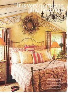 Richer colors in a cottage look bedroom