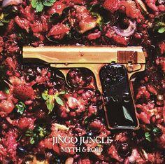 CD◇『JINGO JUNGLE』TVアニメ「幼女戦記」OPテーマは、TVアニメ「Re:ゼロから始める異世界生活」の前期EDテーマ&後期OPテーマのヒットも記憶に新しいMYTH & ROIDの5thシングル! Mayuのパワフルなボーカルと圧倒的な表現力、Tom-H@ckによるエッジの効いたヘビーなサウンドが「幼女戦記」の世界観と重なり、狂気に満ちたインダストリアルロックへと昇華! MYTH & ROIDの新たな可能性を感じさせる1曲が誕生! 発売日:2017年2月8日(水)レーベル:メディアファクトリー 価格:¥1,200円(税別)