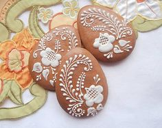 Medovníková kraslica - biely dekor