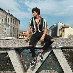 Happy to be back in Milano seeing a bunch of my friends in another country is a Men's fashion news a Men With Street Style, Men Street, Best Mens Fashion, Fashion Tips, Men's Fashion, Fashion Moda, Teen Boy Fashion, Fashion Boots, Street Fashion