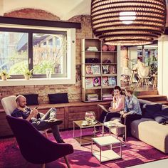 Live together  smarter together #usmhaller #beige #interior #interiordesign #interiordesigner #furniture #architecturelovers #furnituredesign #designinterior #homefurniture #modernfurniture #homefurnishing #designfurniture #livingroom #livingroomdesign #swissmade #swissquality #usmmakeityours #usmmodularfurniture by usmmodularfurniture