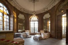 With the help of Farrow & Ball, the renovation of the Hotel Biron, home to the Rodin Museum in Paris, is nearly complete. Rodin Museum, Musée Rodin, Art Of Living, French Style, Paris France, Gazebo, Restoration, Outdoor Structures, Architecture