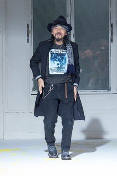Yohji Yamamoto Spring 2015 Menswear Collection Slideshow on Style.com