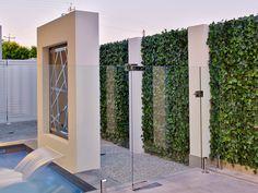 Artificial green vertical screen