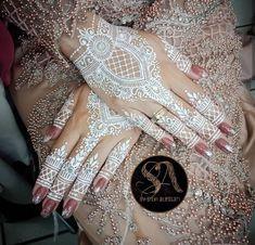 Henna Ink, Henna Body Art, Henna Mehndi, Hand Henna, Henna Hands, Henna Designs Easy, Henna Tattoo Designs, Bridal Mehndi Designs, Henna Tattoos