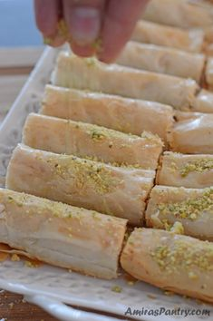 Baklava Rolls - picture for you Köstliche Desserts, Sweets Recipes, Baking Recipes, Delicious Desserts, Yummy Food, Baklava Roll Recipe, Greek Baklava Recipe Easy, Lebanese Baklava Recipe, Lebanese Recipes