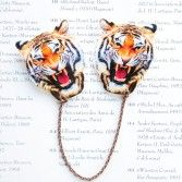What a Novel Idea 襟ブローチ Tiger