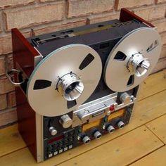 STUDER A810 - www.remix-numerisation.fr - Rendez vos souvenirs durables ! - Sauvegarde - Transfert - Copie - Digitalisation - Restauration de bande magnétique Audio Dématérialisation audio - MiniDisc - Cassette Audio et Cassette VHS - VHSC - SVHSC - Video8 - Hi8 - Digital8 - MiniDv - Laserdisc - Bobine fil d'acier - Micro-cassette - Digitalisation audio - Elcaset