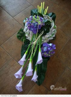 Funeral Flower Arrangements, Funeral Flowers, Grave Decorations, Flower Decorations, Tropical Floral Arrangements, Funeral Tributes, Cemetery Flowers, Funeral Memorial, Altered Book Art
