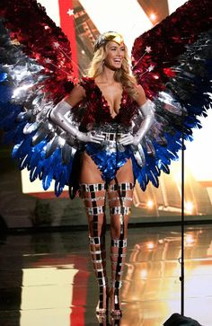Miss USA 2015 in her national costume at Miss Universe 2015