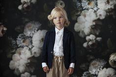 A Day by the Dark Floral: Alexandrena Parker #minimode www.mini-mode.com