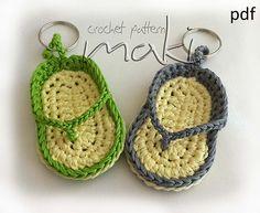 Free Crochet Patterns: Free Crochet Keychain Patterns - lots of keychains like owls, flip flops, cupcakes, hello kitty, etc. Crochet Shoes, Love Crochet, Crochet Gifts, Diy Crochet, Crochet Flowers, Crochet Baby, Crochet Summer, Crotchet, Tongs Crochet