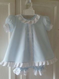 RESERVED LISTING: Baby Dress and Bloomers por justforbabyonline
