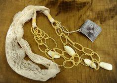 collana THEATRE - cod. 03 - pizzo e perle necklace THEATRE - lace and pearls http://www.lacortevenezia.it/