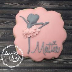 Celebrating my ballerina turning 6 today! #andykayscookies #decoratedcookies…