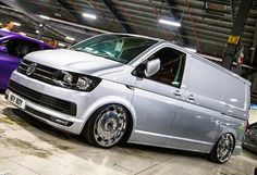 Golf trick, tips and training Volkswagen Transporter, Vw T5, Volkswagen Bus, Vw Transporter Sportline, Convertible, Aston Martin Cars, Car Camper, Mini Bus, Cars