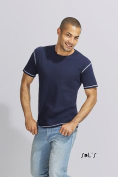 URID Merchandise -   T- SHIRT COM COSTURAS FLATLOCK CONTRASTANTES PARA HOMEM   8.428 http://uridmerchandise.com/loja/t-shirt-com-costuras-flatlock-contrastantes-para-homem/