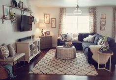 Best small apartment living room layout ideas 28 - Home Decorations Apartment Room, Small Living Rooms, Home Living Room, Farm House Living Room, Home, Small Room Design, Small Apartment Living, Apartment Living Room Layout, Room Layout