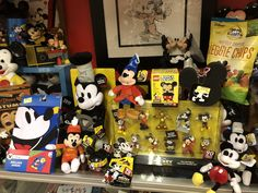 Mickey Mouse Room, Disney Characters, Fictional Characters, Shapes, Art, Kunst, Fantasy Characters, Art Education, Artworks