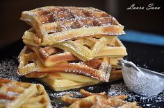 "[shashin type=""photo"" size=""large"" columns=""max"" order=""user"" position=""center""] Suntem fani waffe, dupa cum vedeti :P . Recipe For 4, Apple Pie, Deserts, Sweets, Cooking, Recipes, Food, Waffles, Sweet Pastries"