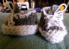 How To Loom Knit Tennis Shoe Booties Circular Loom