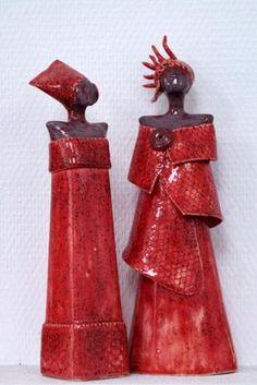 Wil van den Hoek Raku Pottery, Pottery Sculpture, Sculpture Clay, Ceramic Figures, Clay Figures, African Dolls, Creation Art, Sculptures Céramiques, Africa Art