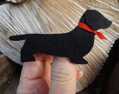 A lovely Giant Schnauzer brooch hand cut in thick craft felt. It measures 60mm in length and is 50mm high.  I can change the collar colour and the colour of the dog at your request.  A lovely gift for the owner of a Schnauzer.