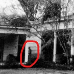 23 Insanely Haunted Places That'll Scare The Shit Out Of You Real Haunted Houses, Creepy Houses, Haunted Hotel, Most Haunted, Best Ghost Stories, Scary Stories, Spooky Places, Haunted Places, Creepy People