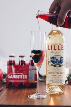 Lillet Berry Lillet Berry, Cheer Up, Alcoholic Drinks, Berries, Wine, Bottle, Glass, Food, Alcoholic Beverages