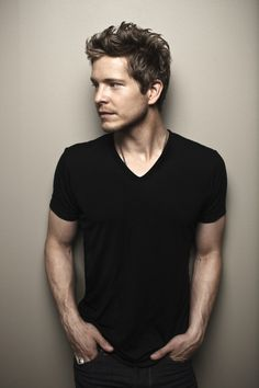 Looks like my boyfriend! Lucky me. Matt Czuchry | The Official Website of Actor Matt Czuchry