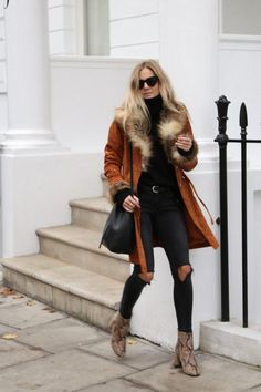 Sunglasses & (Faux) Fur (Fashion Me Now) Fashion Me Now, Look Fashion, Jeans Fashion, Fur Fashion, Fashion Photo, Paris Fashion, Fashion Ideas, Simple Winter Outfits, Fall Outfits