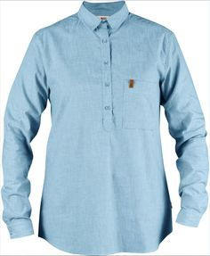 A comfortable and casual summer shirt that is just as suitable at home in town as in the cabin, the tent or while out travelling.