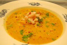Foto: Sara B. Clausen Har nogen tid pønset lidt på at afprøve denne suppe som jeg synes lød lidt spændende med fersken i- men må da si...