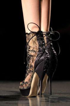 it-shoes : Les chaussures à dentelle de Dior
