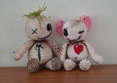 Amigurumi Voodoo dolls by AmigurumiBB's Blog. Free pattern