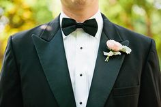 classic tuxedo groom | Lauren Friday #wedding
