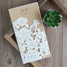 Weisse Einladungskarte Hochzeit Mit Blumenmustern KPL152