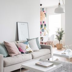 Pentik is an international interior design retailer, who wants to bring northern beauty and cosiness to homes. Sofa Colors, Curtain Call, Scandinavian Style, Love Seat, Couch, Curtains, Living Room, Interior Design, Interiors