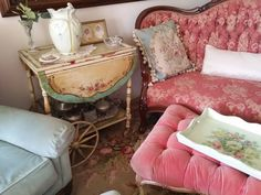Romantic Shabby Chic, Pink Sofa, Shabby Cottage, Beautiful Family, Painted Furniture, Furniture Ideas, Vintage Decor, Pretty In Pink, Favorite Color