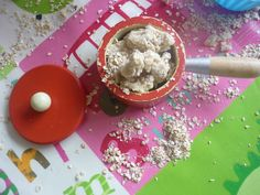 This recipe for porridge oats play-doh adds an extra tactile sensory component to typical phay-doh play. Idea from The Imagination Tree pinned by SPD Blogger Network. For more sensory-related pins, see http://pinterest.com/spdbn