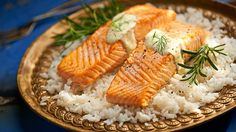 Losos v citrónové šťávě Fish And Meat, Fish And Seafood, Meat Recipes, Cooking Recipes, Camembert Cheese, Mashed Potatoes, A Food, Main Dishes, Menu