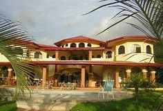 Dominical, Costa Rica: Jungle Estate with full staff.   Mountains, waterfalls and toucans!
